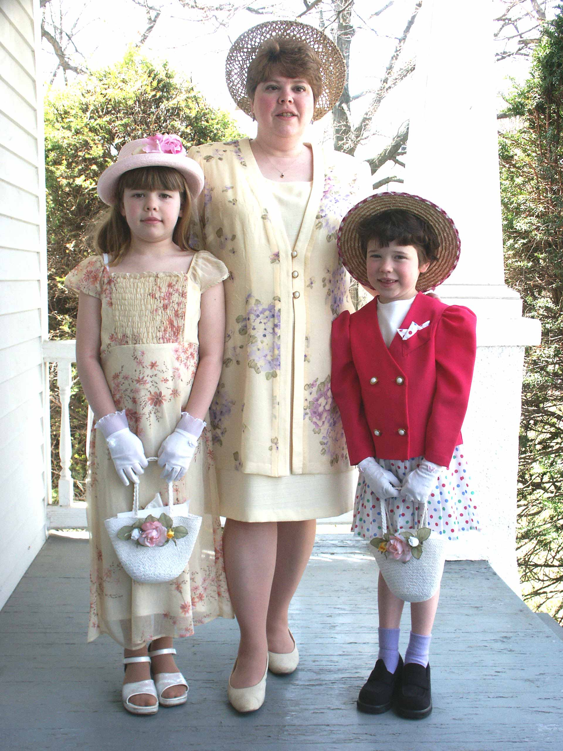 3 Easter ladies.JPG (435488 bytes)